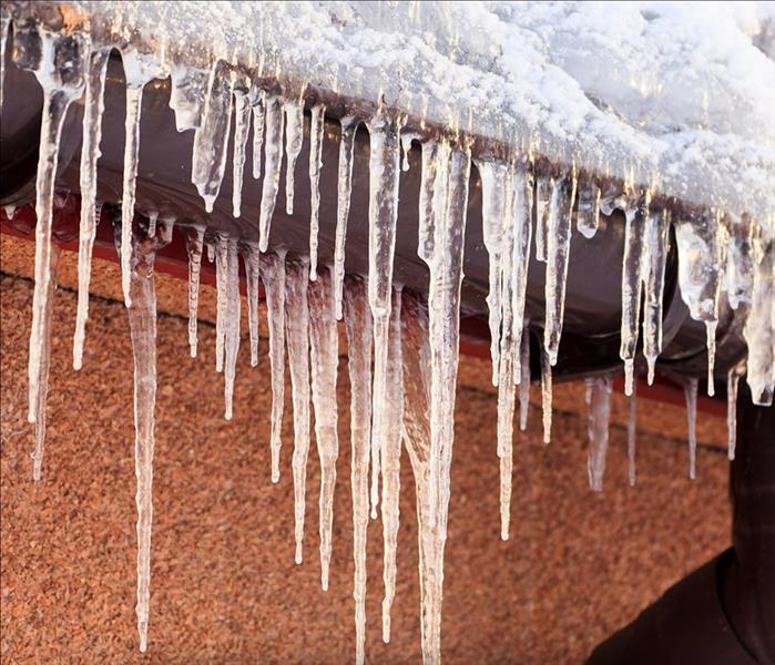 Why SERVPRO Ice Dams and How They Can Affect You